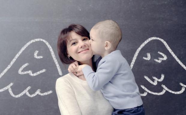 Le mamme che lottano con i loro figli malati di leucemia-