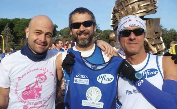 I Runner di Pfizer, che grazie alla loro azione di CSR hanno raccolto fondi per RomAltruista