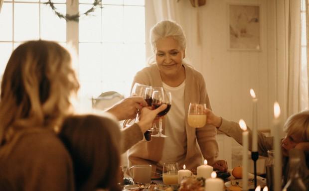 Natale 2019, nonna Carla e un dono in regalo-
